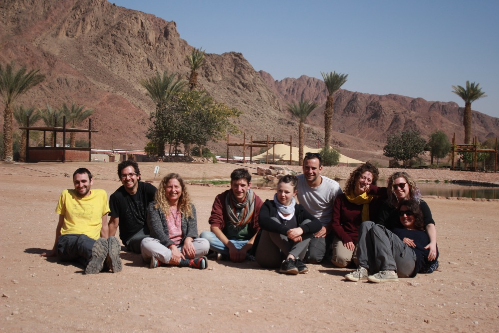 Lab staff working at the Timna Valley Project, photo by Liron Narunsky